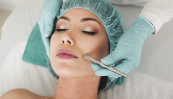 """""""Erases"""" Wrinkles and Circles Under the Eyes in Just an Hour: How the New Trendy Procedure Geneo+ Works"""
